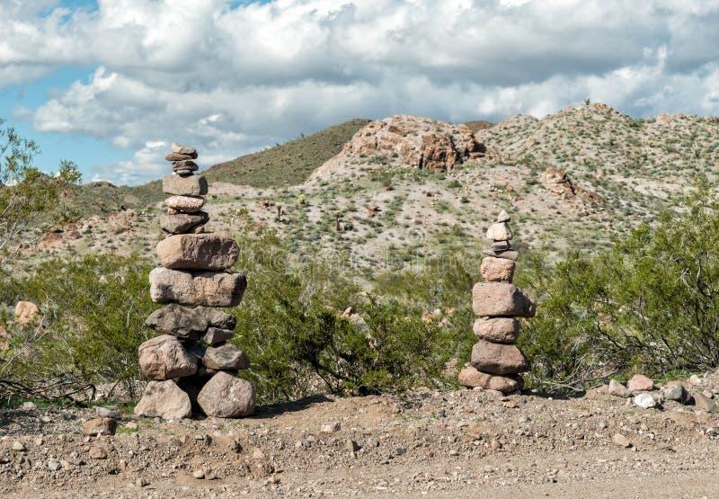 Τύμβοι στην έρημο στοκ εικόνα