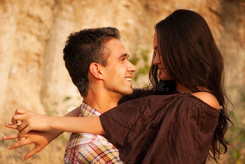 Τύπος και κορίτσι στοκ εικόνα με δικαίωμα ελεύθερης χρήσης