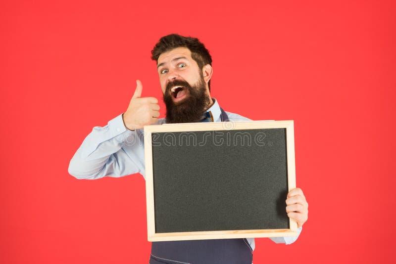 Τύπος που παρουσιάζει πληροφορίες Πώληση καταστημάτων Μαύρη έκπτωση Παρασκευής Έννοια διαφήμισης Ευτυχείς ώρες Διαφήμιση καταστημ στοκ εικόνα