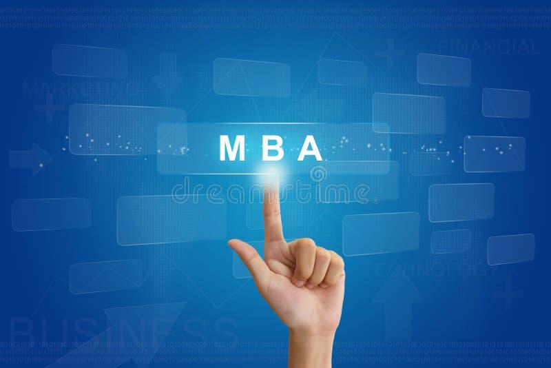 Τύπος χεριών σε MBA ή κύριος του κουμπιού επιχειρησιακής διοίκησης επάνω στοκ εικόνα