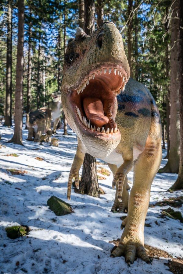 Τ-Rex στο πάρκο δεινοσαύρων στοκ φωτογραφίες