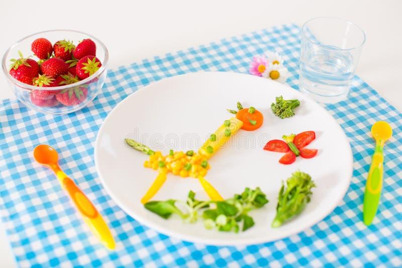 Υγιές μεσημεριανό γεύμα για τα παιδιά στοκ εικόνες με δικαίωμα ελεύθερης χρήσης