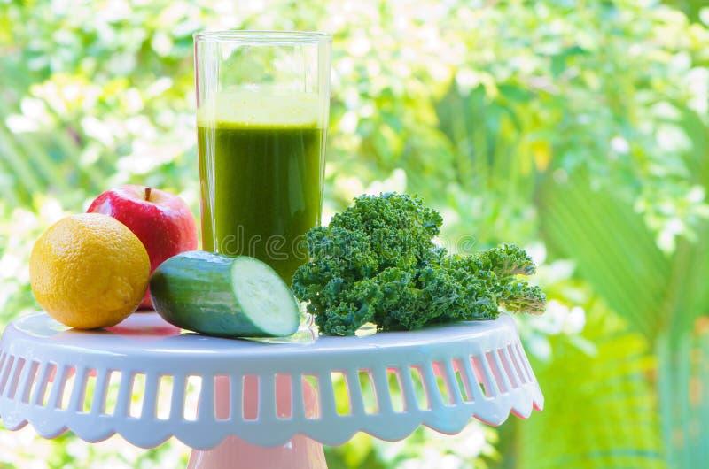 Υγιές πράσινο πρόχειρο φαγητό στοκ φωτογραφία