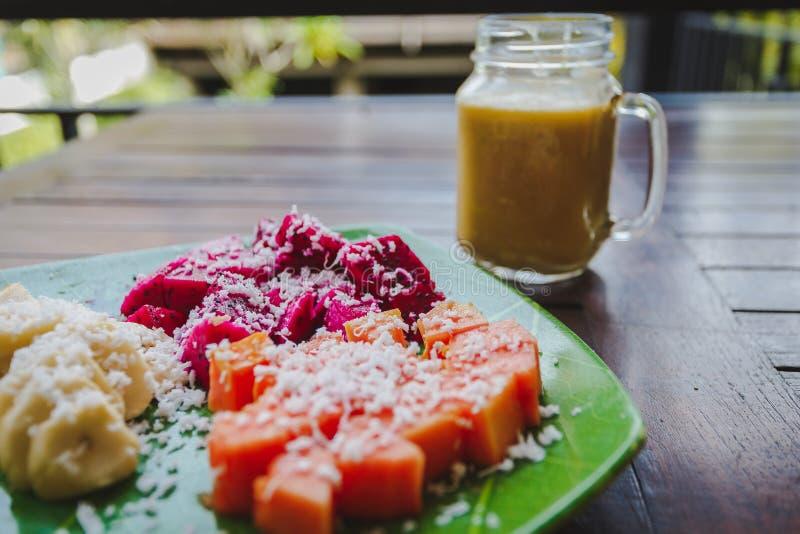 Υγιές πρόγευμα φρούτων στοκ φωτογραφία