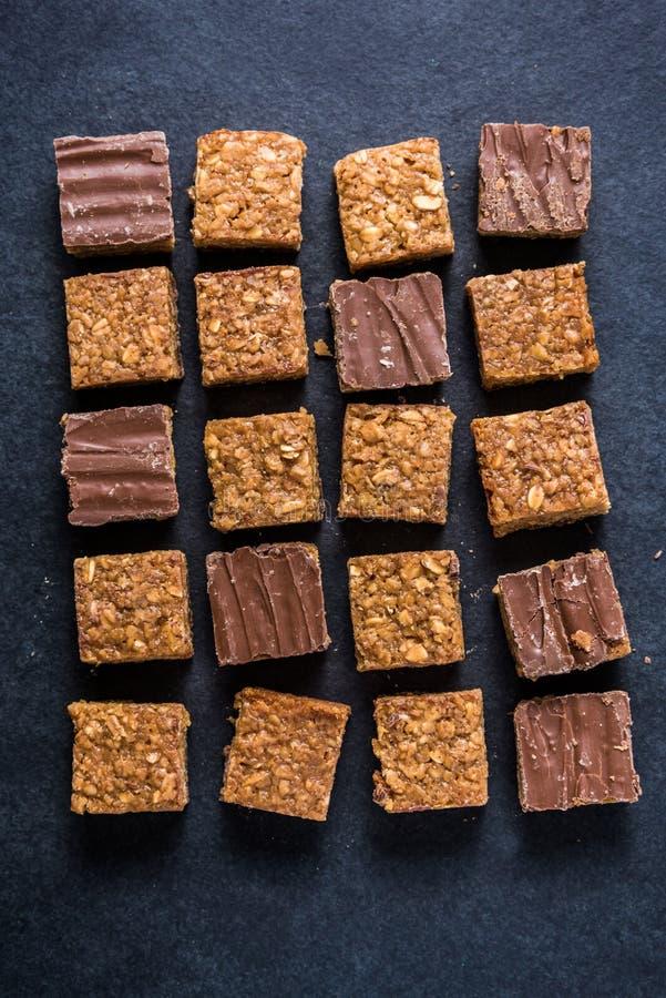 Υγιές πρόχειρο φαγητό διατροφής, brownie γρύλων χτυπημάτων βρωμών φραγμός στοκ εικόνες με δικαίωμα ελεύθερης χρήσης