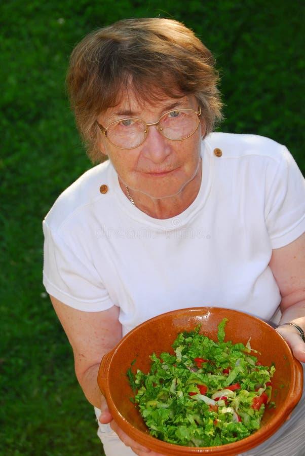 υγιής ανώτερη γυναίκα στοκ φωτογραφία