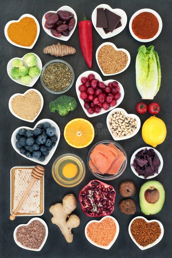 Υγιής επιλογή τροφίμων για να επιβραδύνει τη διαδικασία γήρανσης στοκ εικόνες με δικαίωμα ελεύθερης χρήσης