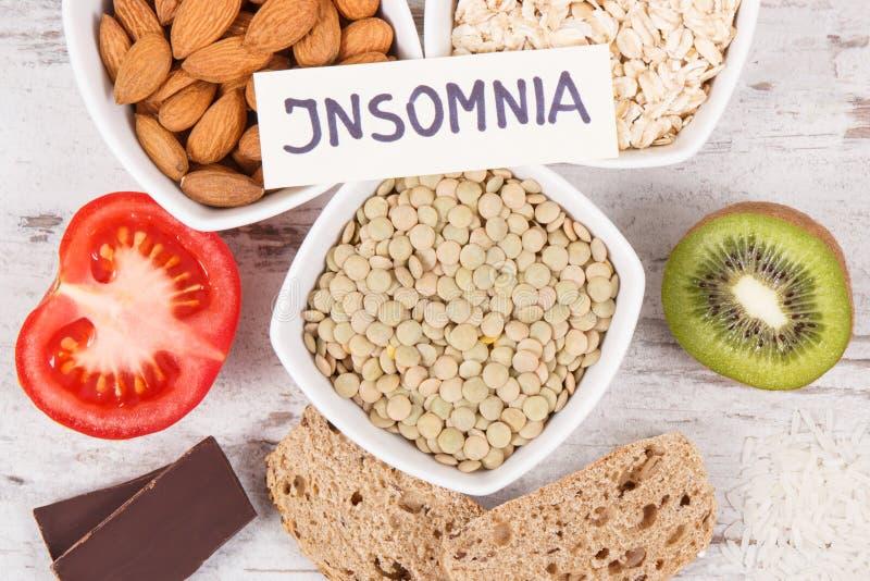 Υγιής κατανάλωση ως πηγή melatonin και tryptophan Καλύτερα τρόφιμα για τα προβλήματα αϋπνίας στοκ εικόνα με δικαίωμα ελεύθερης χρήσης