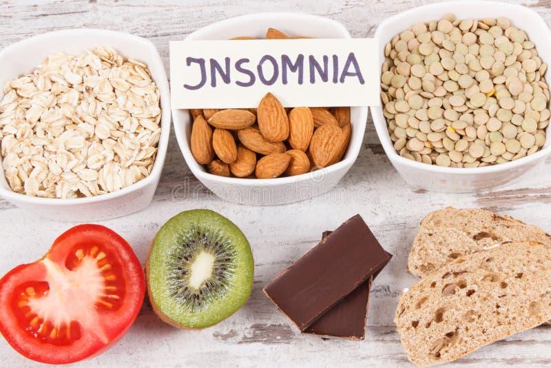Υγιής κατανάλωση ως πηγή melatonin και tryptophan Καλύτερα τρόφιμα για τα προβλήματα αϋπνίας στοκ φωτογραφία