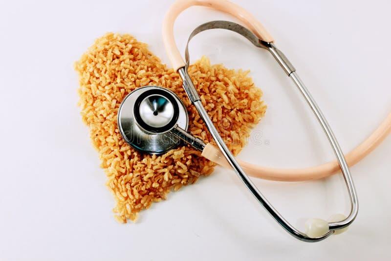 Υγιές καφετί ρύζι καρδιών στοκ εικόνα