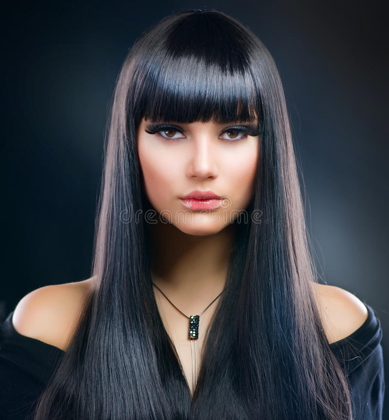 υγιής μακρύς τριχώματος κοριτσιών brunette στοκ εικόνες