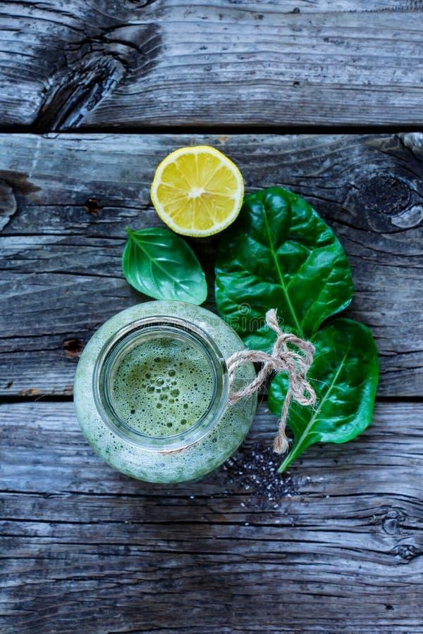 Υγιής πράσινος καταφερτζής στοκ εικόνα