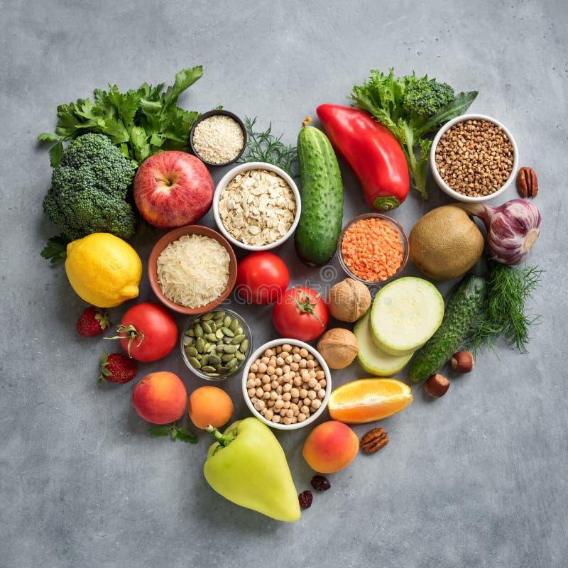 Υγιή τρόφιμα για την καρδιά στοκ φωτογραφία με δικαίωμα ελεύθερης χρήσης