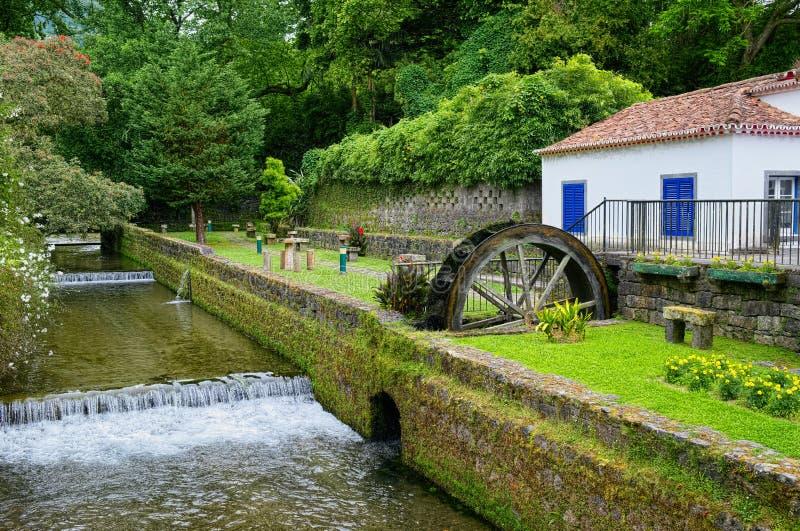 Υδρόμυλος στην πόλη Furnas, νησί του Miguel Σάο, Αζόρες, Πορτογαλία στοκ φωτογραφία