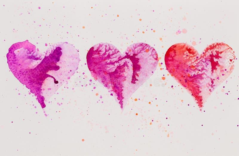 Υδρόχρωμα χρωματισμένη ροζ καρδιά, στο λευκό χαρτί με υδατογράφημα στοκ εικόνες με δικαίωμα ελεύθερης χρήσης