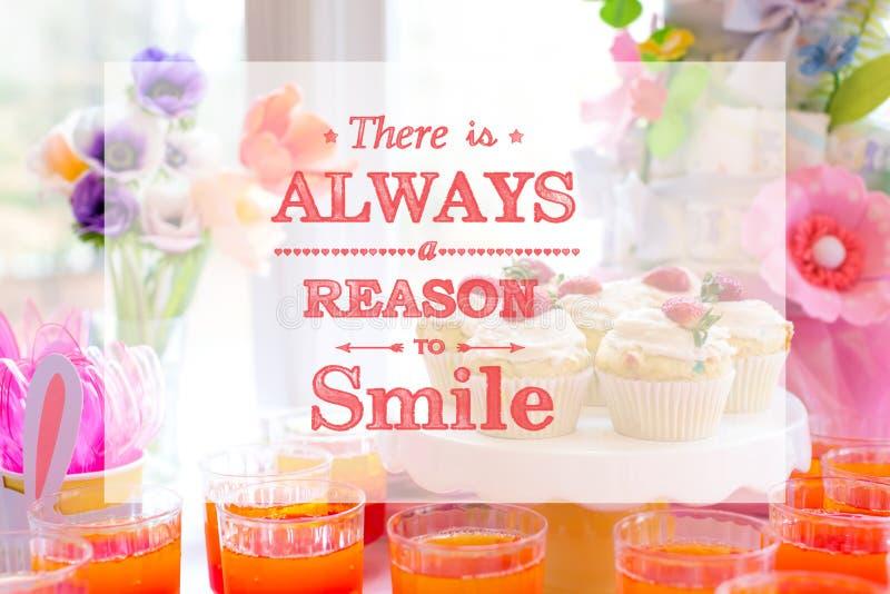 Υπάρχει πάντα ένας λόγος να χαμογελάσει με τον πίνακα επιδορπίων στοκ εικόνα με δικαίωμα ελεύθερης χρήσης