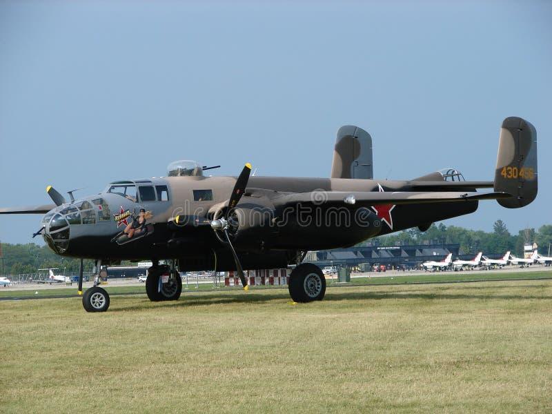 Υπέροχα αποκατεστημένο βορειοαμερικανικό βομβαρδιστικό αεροπλάνο β-25 Mitchell στοκ εικόνες με δικαίωμα ελεύθερης χρήσης