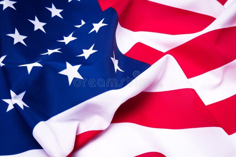 Υπέροχα κυματίζοντας αστέρι και ριγωτή αμερικανική σημαία στοκ εικόνες