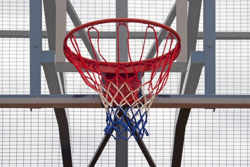 Υπαίθρια στεφάνη καλαθοσφαίρισης στοκ εικόνα με δικαίωμα ελεύθερης χρήσης