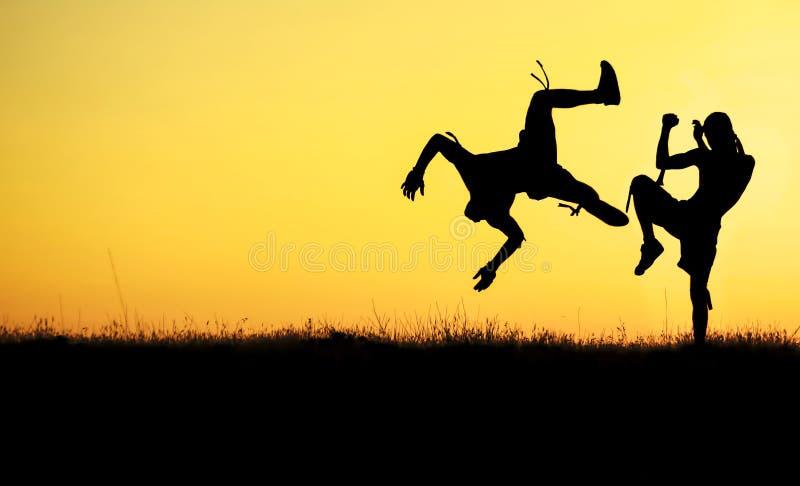 Υπαίθρια muay ταϊλανδική αθλητική σκιαγραφία στοκ φωτογραφία με δικαίωμα ελεύθερης χρήσης