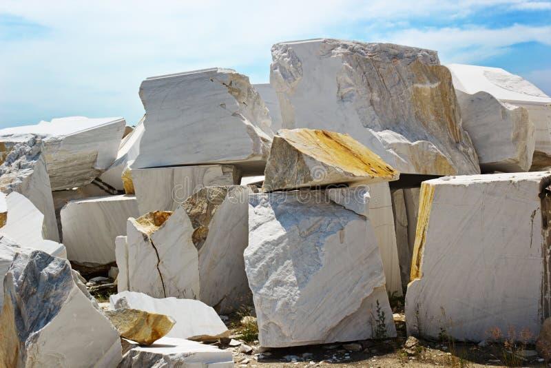 Υπαίθριο ορυχείο στη μαρμάρινη εξαγωγή στοκ φωτογραφία με δικαίωμα ελεύθερης χρήσης