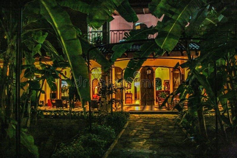 Υπαίθριο patio Roi du Christophe Hotel στην ΚΑΠ Haitien, Αϊτή στοκ εικόνα