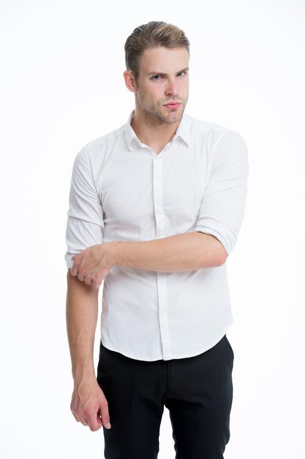 Υπαλληλικός εργαζόμενος Το άτομο εκαλλώπισε καλά το επίσημο κομψό άσπρο υπόβαθρο πουκάμισων Όμορφος εργαζόμενος γραφείων τύπων Ερ στοκ φωτογραφίες