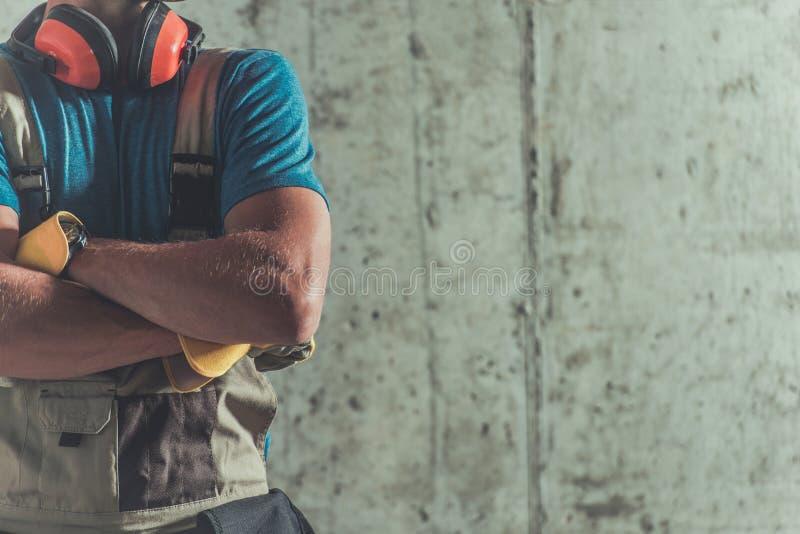 Υπερήφανος εργάτης οικοδομών στοκ εικόνες με δικαίωμα ελεύθερης χρήσης