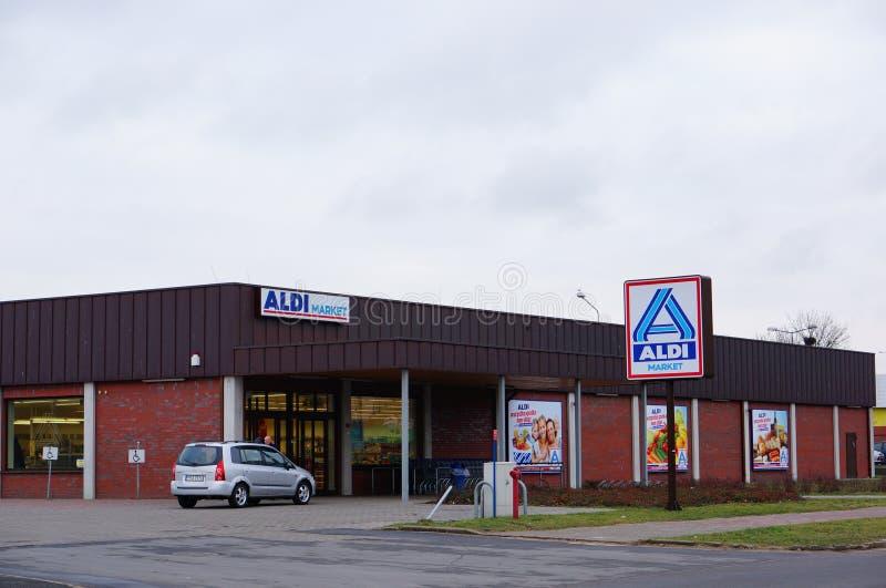 Υπεραγορά Aldi στοκ εικόνα με δικαίωμα ελεύθερης χρήσης