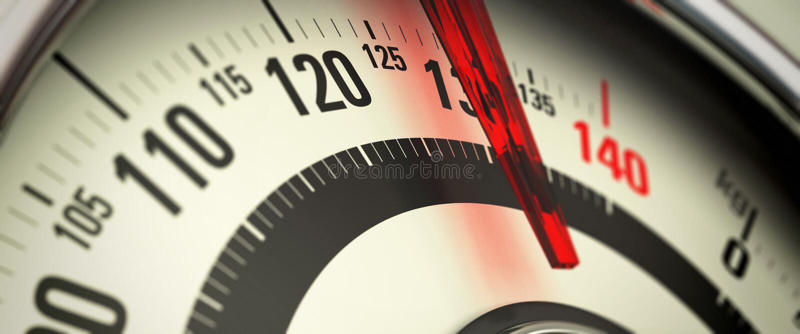 Υπερβολικό βάρος και παχυσαρκία, κλίμακα λουτρών ελεύθερη απεικόνιση δικαιώματος