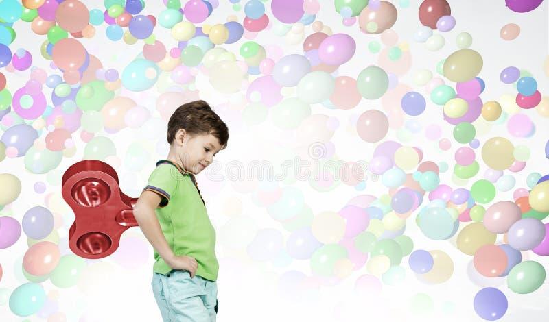 Υπερενεργητικό ευτυχές παιδί στοκ εικόνες