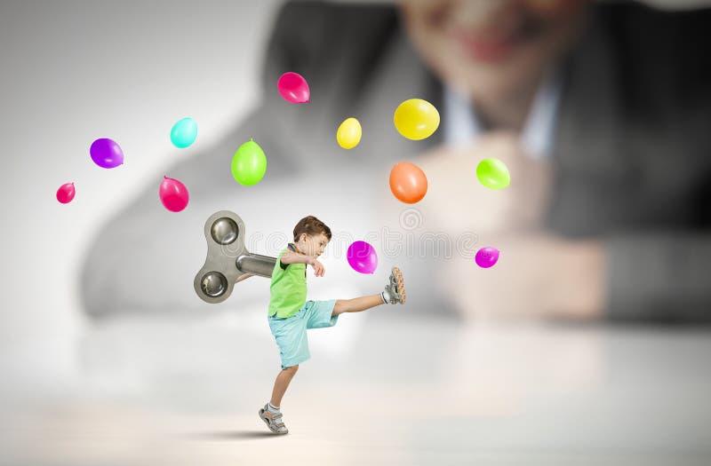 Υπερενεργητικό ευτυχές παιδί στοκ φωτογραφίες με δικαίωμα ελεύθερης χρήσης