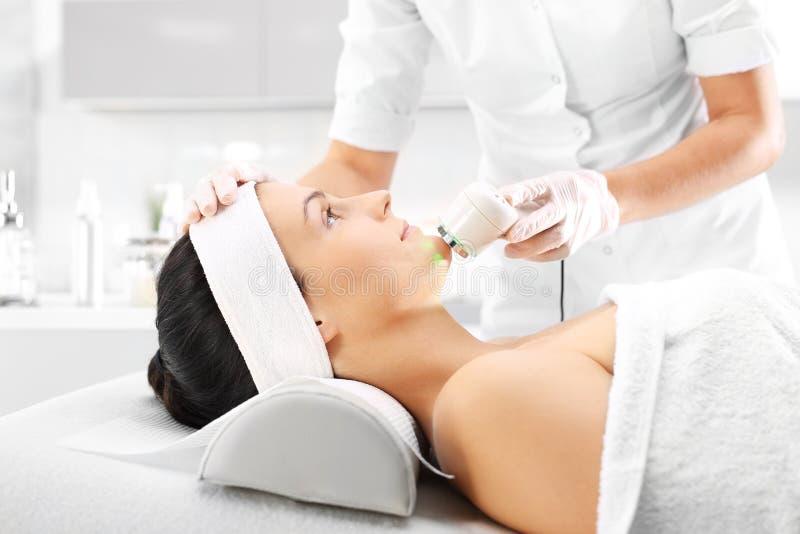 Υπερηχητικό massager στοκ φωτογραφία με δικαίωμα ελεύθερης χρήσης