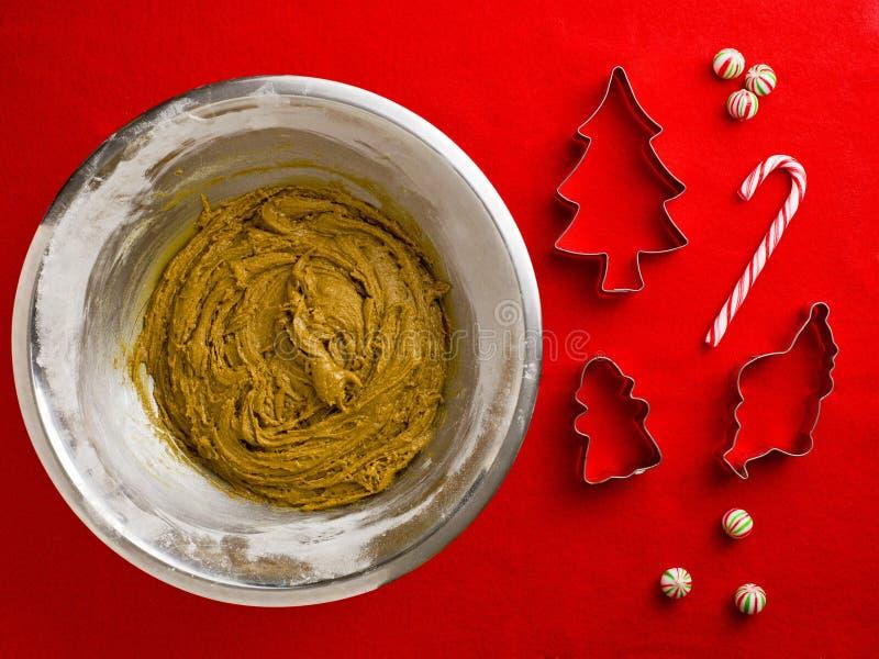 Download υπερυψωμένη άποψη του μίγματος σιροπιού και αλευριού σοκολάτας στο U χάλυβα Στοκ Εικόνα - εικόνα από εσωτερικός, χριστούγεννα: 62722613