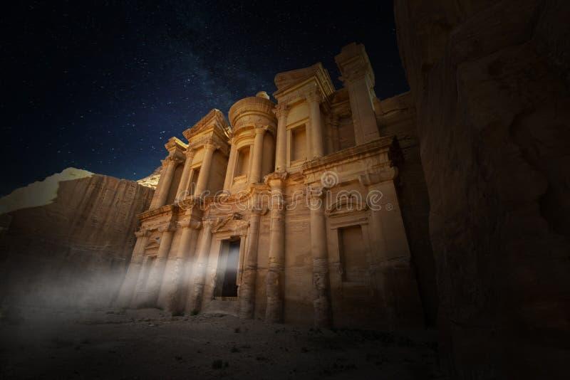 Υπερφυσικό μοναστήρι της Petra, ταξίδι της Ιορδανίας στοκ εικόνες