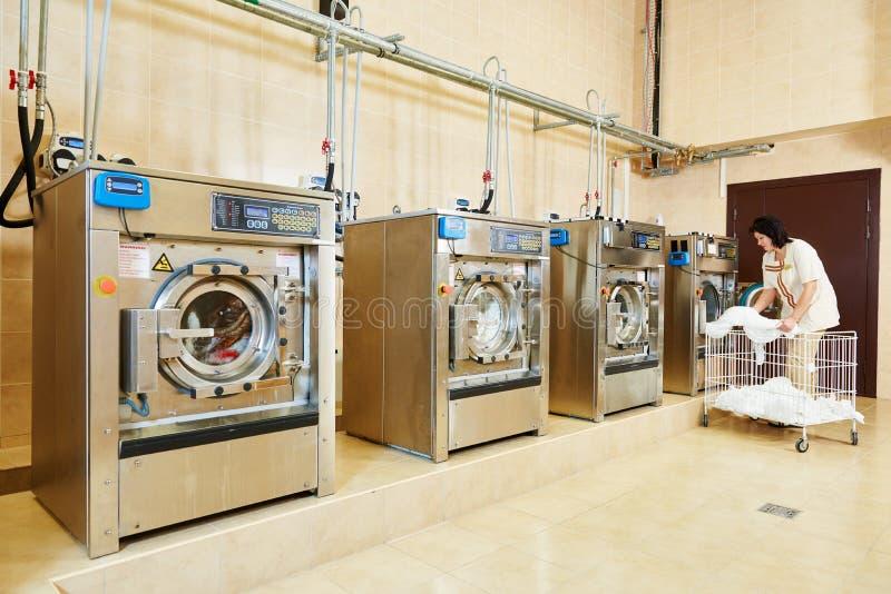 Υπηρεσία πλυντηρίων στοκ φωτογραφία με δικαίωμα ελεύθερης χρήσης