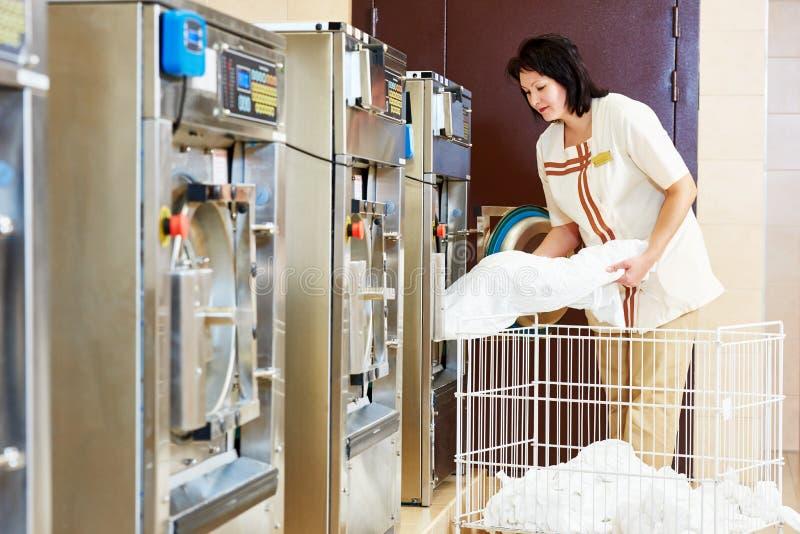 Υπηρεσία πλυντηρίων στοκ εικόνες