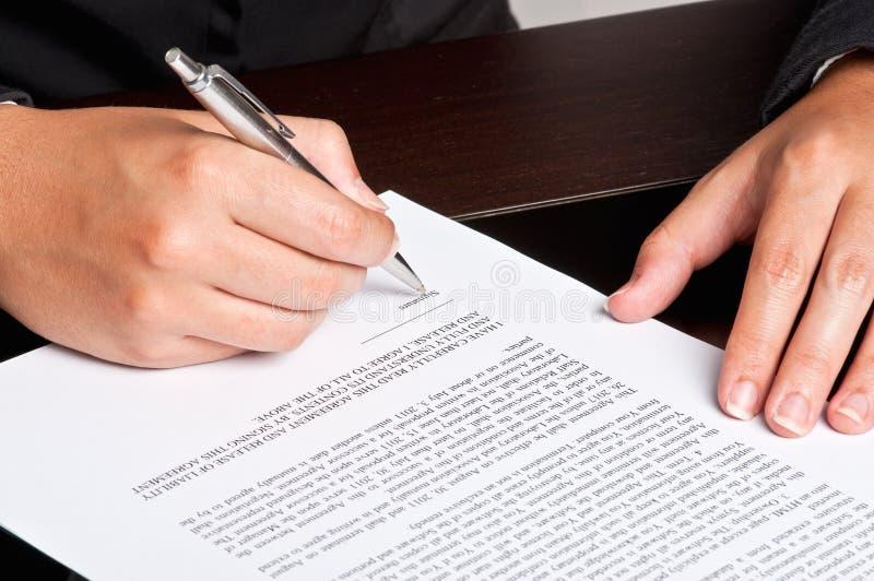 υπογραφή εγγράφων στοκ εικόνες