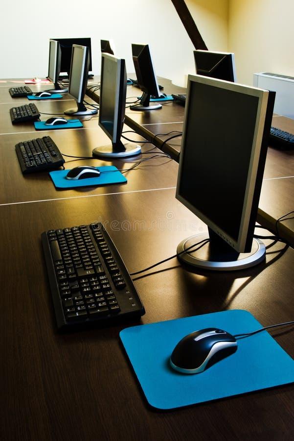 υπολογιστές τάξεων στοκ εικόνες