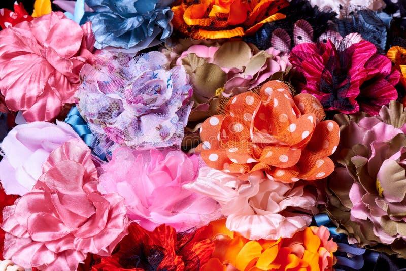 Υπόβαθρο από τα φωτεινά πολυ χρωματισμένα διακοσμητικά λουλούδια στοκ φωτογραφίες με δικαίωμα ελεύθερης χρήσης