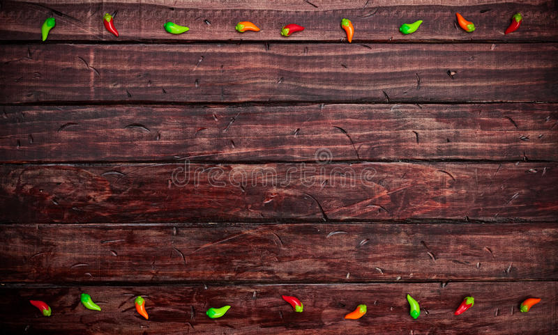 Υπόβαθρο: Διακοσμήσεις πιπεριών της Χιλής μεξικάνικο Tabletop στοκ φωτογραφία με δικαίωμα ελεύθερης χρήσης