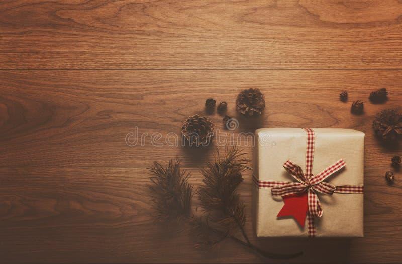Download Υπόβαθρο θέματος Χριστουγέννων, στον ξύλινο πίνακα Στοκ Εικόνες - εικόνα από διακοπές, εύθυμος: 62701756