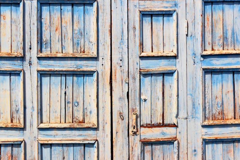 Υπόβαθρο μιας ξύλινης παλαιάς πόρτας στοκ εικόνες
