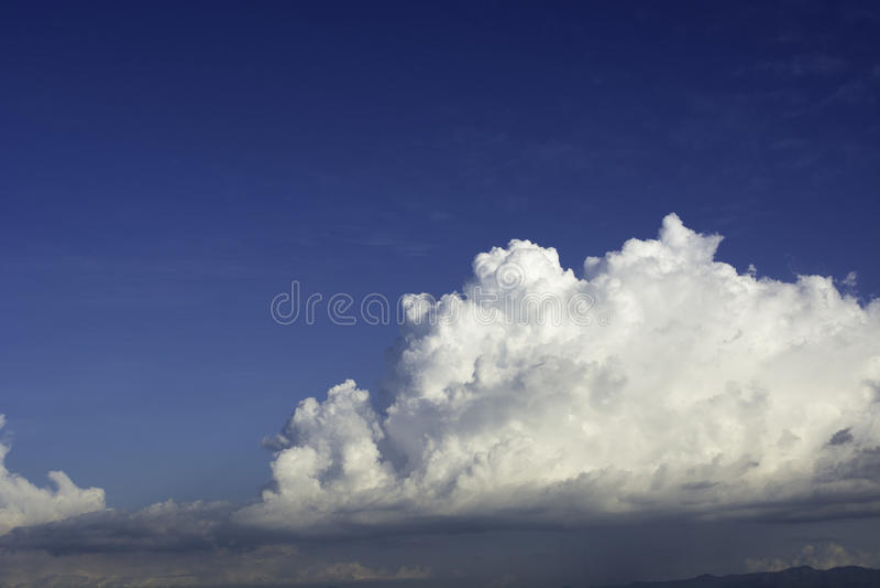 Υπόβαθρο ουρανός-σύννεφων στοκ φωτογραφία με δικαίωμα ελεύθερης χρήσης