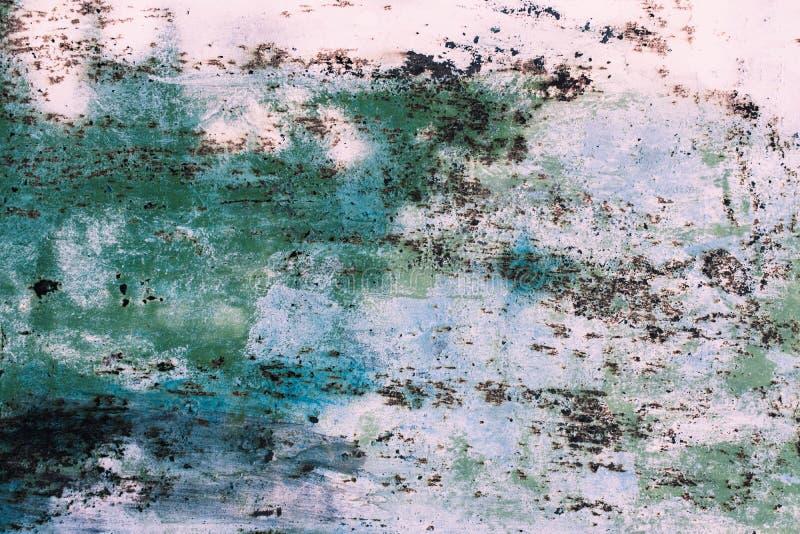 Υπόβαθρο της σκουριασμένης σύστασης μετάλλων Ταπετσαρία του παλαιού σκουριασμένου φράκτη με το χρώμα αποφλοίωσης στοκ φωτογραφία με δικαίωμα ελεύθερης χρήσης