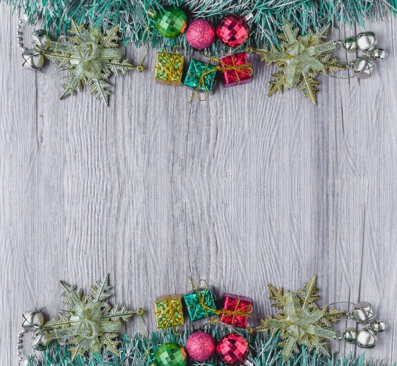 Υπόβαθρο Χριστουγέννων στην ξύλινη σύσταση στοκ φωτογραφία με δικαίωμα ελεύθερης χρήσης