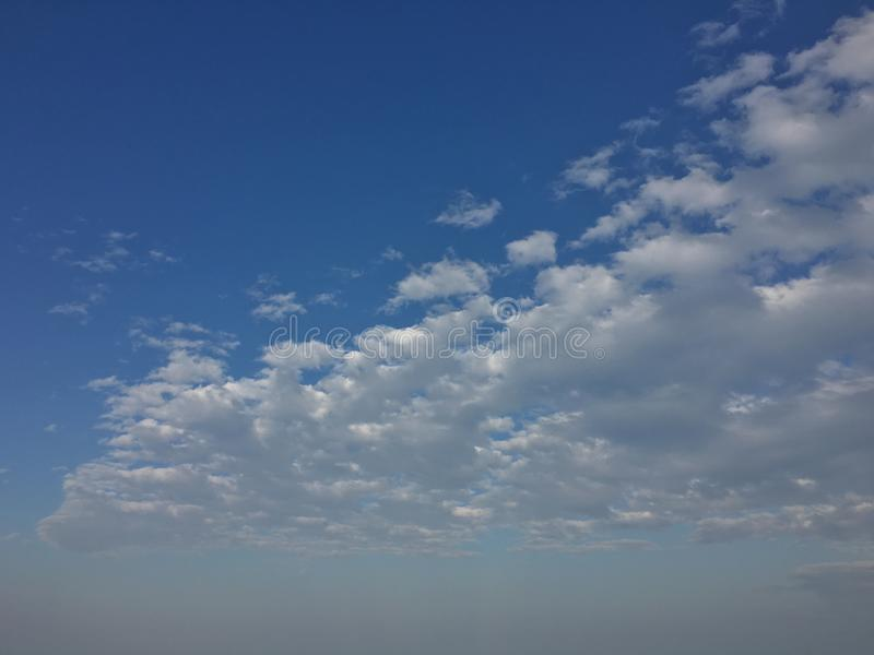 Υπόβαθρο χρονικού ουρανού της Νίκαιας στοκ φωτογραφία