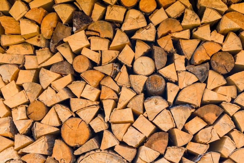 Υπόβαθρο - woodlogs διασπασμένος για τη σόμπα στοκ εικόνες με δικαίωμα ελεύθερης χρήσης