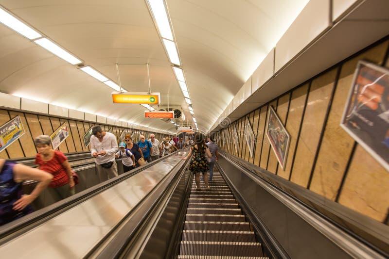 Υπόγεια μετάβαση Βουδαπέστη σταθμών μετρό στοκ φωτογραφία με δικαίωμα ελεύθερης χρήσης