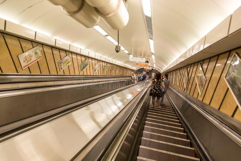 Υπόγεια μετάβαση Βουδαπέστη σταθμών μετρό στοκ εικόνες
